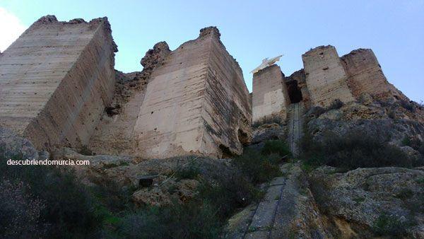 Castillo Monteagudo Castillo de Monteagudo... SOS
