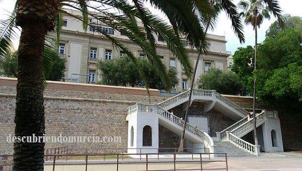 Escalinata Victor Beltri Cartagena Escalinata de Víctor Beltrí en la Muralla Carlos III de Cartagena