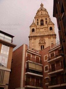 Torre de la Catedral de Murcia 225x300 Una bandera de la República colgando de la torre de la Catedral en pleno franquismo