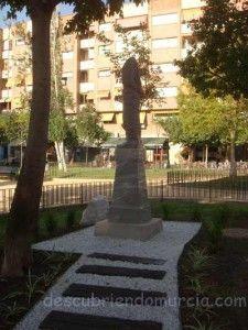 Jose Planes Eva con la manzana Murcia 225x300 Escultura de José Planes en el Barrio del Carmen
