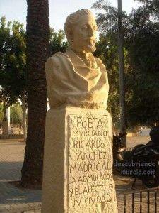 Jose Planes Ricardo Sanchez Madrigal Murcia 225x300 Cuando el escultor José Planes, destruyó una de sus obras