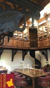 biblioteca casino murcia 169x300 El Casino de Murcia se pasa a las bombillas Leds
