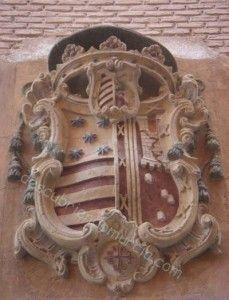 escudo Obispo Diego Rojas Contreras 229x300 Un castillo invertido y en ruinas en el escudo del Palacio Episcopal de Murcia