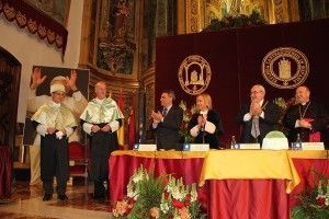 Vicente del Bosque Doctor Honoris Causa UCAM 300x200 Vicente del Bosque, ya es Doctor Honoris Causa por la UCAM