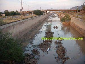 Regueron por El Palmar 300x225 El canal del Reguerón o la zanja de la muerte