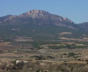 Sierra del Gigante Lorca 300x247 Un gigante en la sierra de Lorca