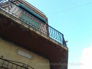 Calle Mayor Puerto Mazarron 300x225 Otra placa de teléfono público en el Puerto de Mazarrón