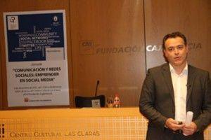 Titulo Experto Universitario Redes Sociales Nuevas Tecnologias UCAM 300x200 Título de Experto Universitario en Redes Sociales y Nuevas Tecnologías