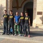 Alejandro Valverde junto a integrantes el equipo ciclista Valverde Team con el premio recibido en la Gala del Deporte de la UCAM